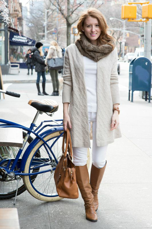 Outfit White Jeans And Riding Boots Design Darling