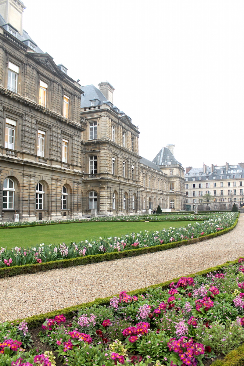 Outfit jardin du luxembourg design darling for Cafe jardin du luxembourg