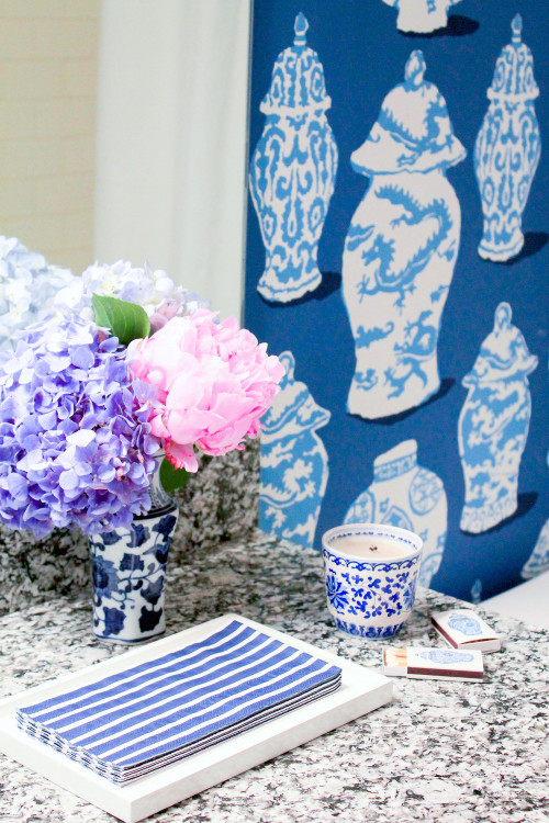 dana gibson stroheim canton blue ginger jar wallpaper