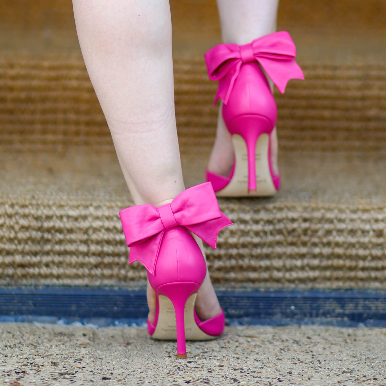 pink heels with bow is heel
