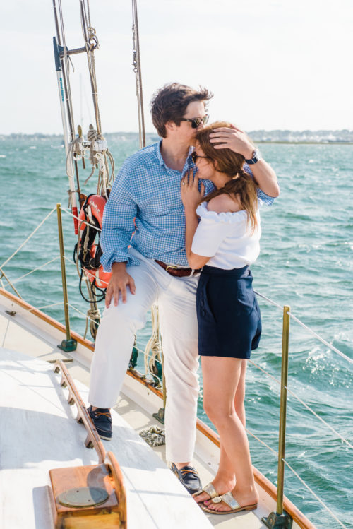 what-to-wear-for-sailboat-engagement-photos
