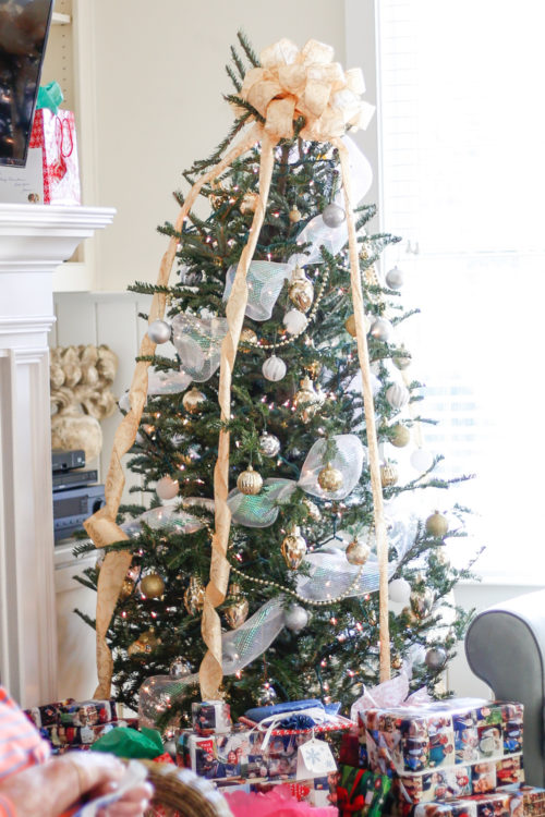 design-darling-christmas-in-charleston-coastal-christmas-tree