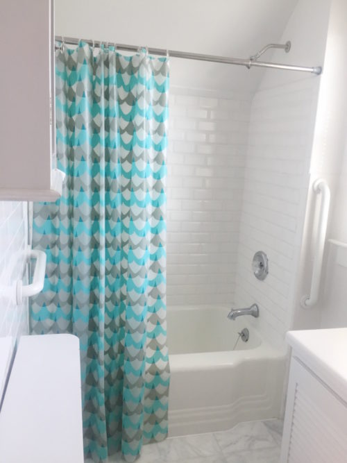 design darling greenwich home tour bathroom before photo