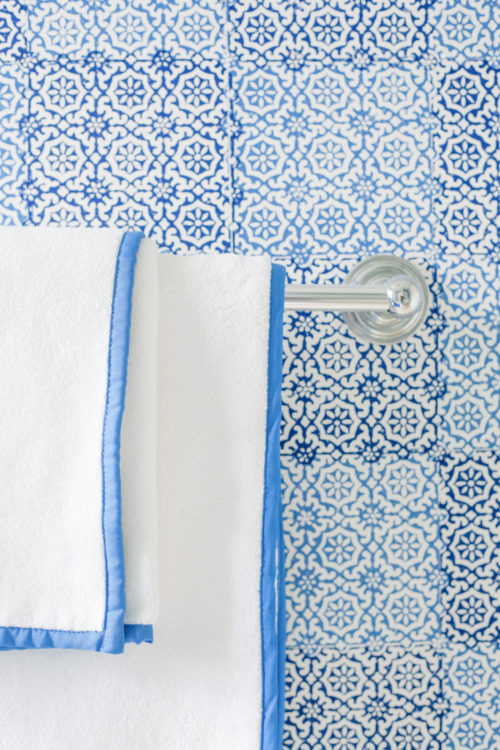 design darling nantucket bathroom peter fasano sintra wallpaper and pine cone hill signature banded towels