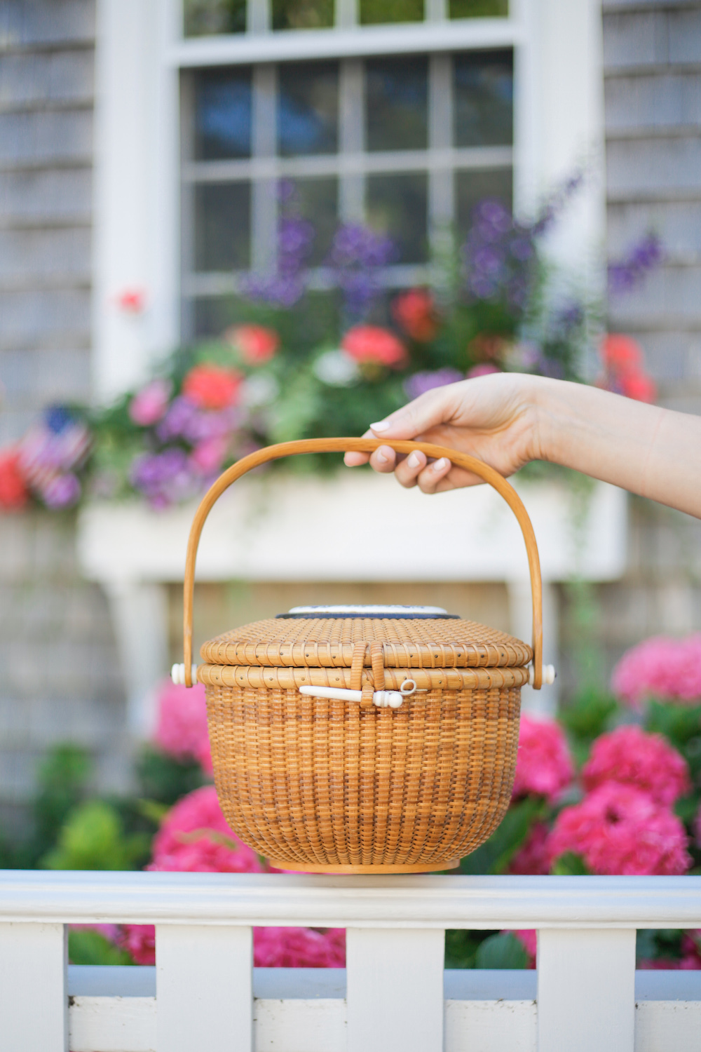 design-darling-nantucket-lightship-basket