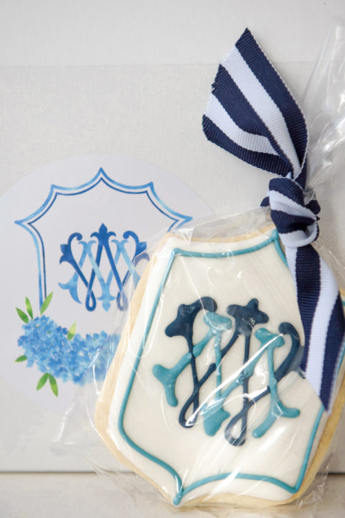 design darling monogrammed cookies for wedding