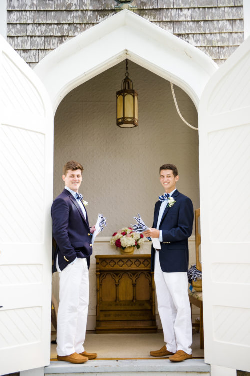 design darling wedding at sconset chapel
