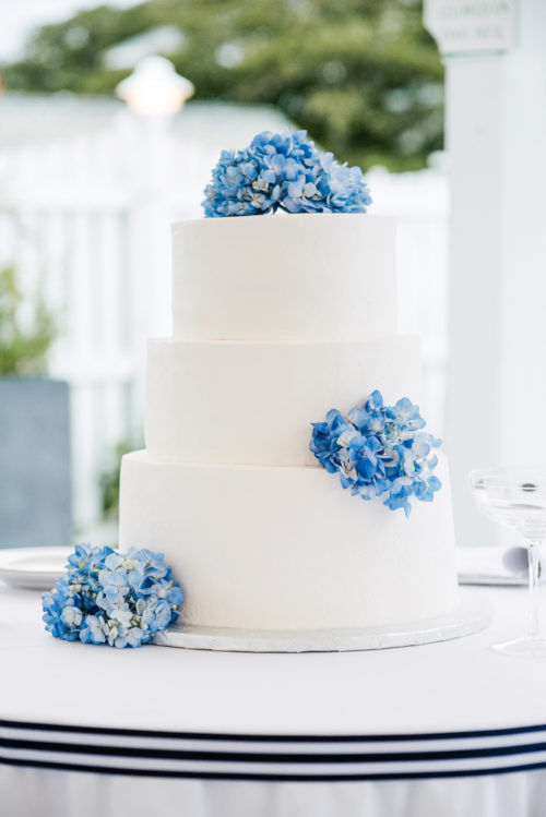 design darling wedding cake with blue hydrangeas