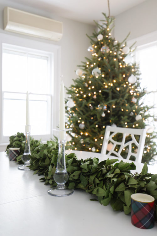 design darling dining room at christmas