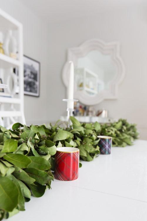 williams-sonoma bay leaf garland and tartan candle set