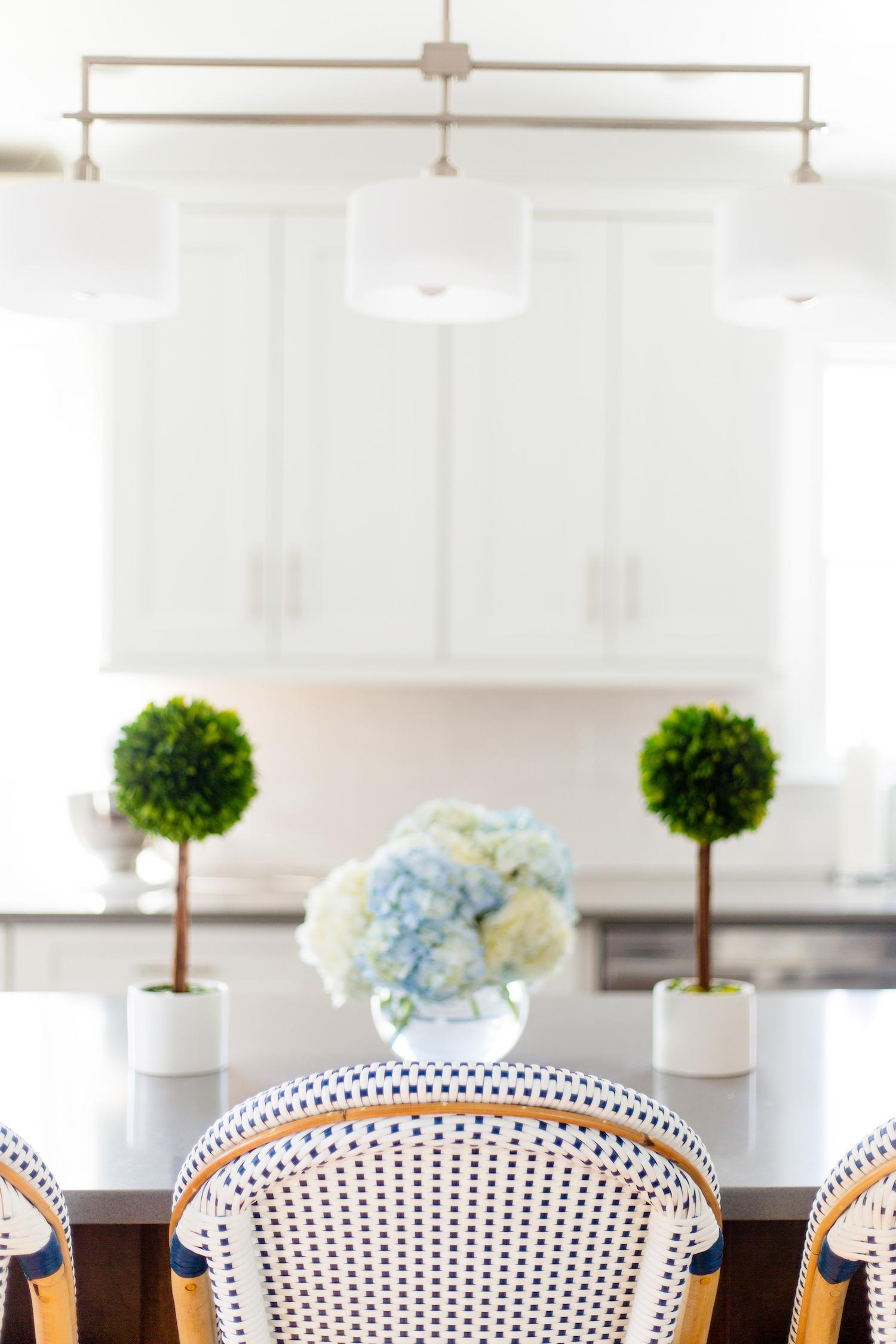 Terrific Serena Lily Riviera Counter Stool And Boxwood Topiaries In Creativecarmelina Interior Chair Design Creativecarmelinacom