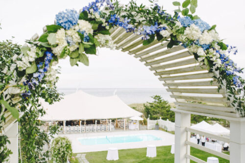 summer-house-nantucket-arbor-decorated-for-wedding-768x511