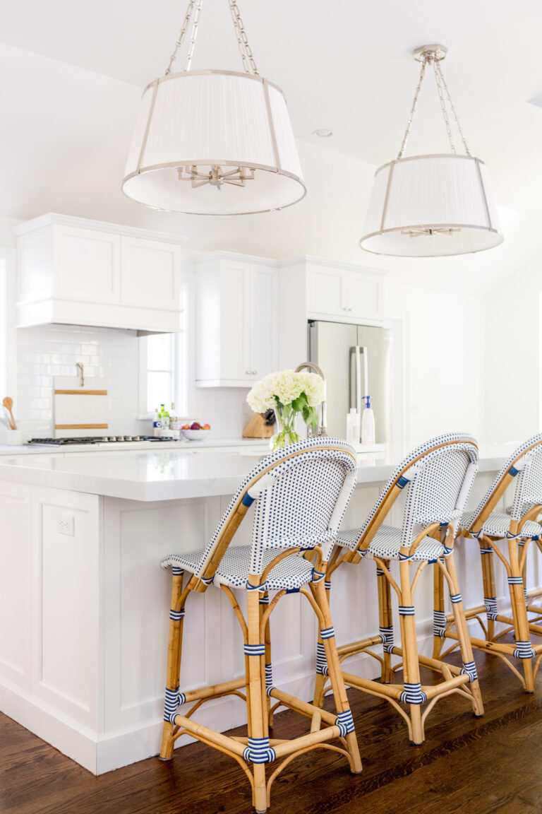 design-darling-kitchen-with-ralph-lauren-windsor-large-hanging-shade-and-serena-lily-riviera-counter-stools-768x1152