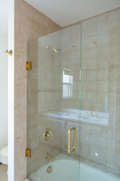 design-darling-hall-bathroom-before-pictures-4-768x1152