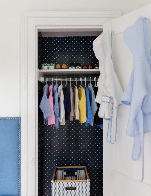design darling wallpapered closet one kings lane stars wallpaper navy white